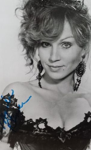 Marilu Henner Authentic Autograph with COA