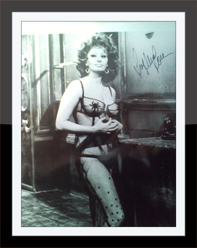 Sophia Loren Authentic Autograph with COA